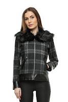 Jacheta din lana in carouri cu guler de blana