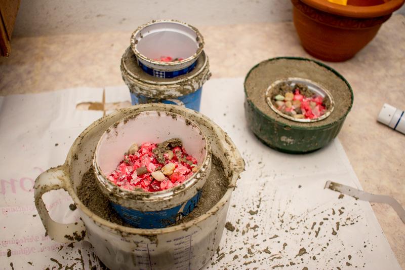 DIY Schalen aus Beton gießen - Projekte mit Beton selber machen - Basteln mit Kindern - Blumentöpfe selber gießen aus Beton