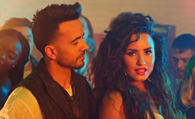 "Luis Fonsi, Demi Lovato - ""Échame La Culpa"""