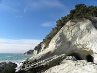 http://www.themarcheexperience.com/2015/09/le-splendide-spiagge-di-sirolo.html