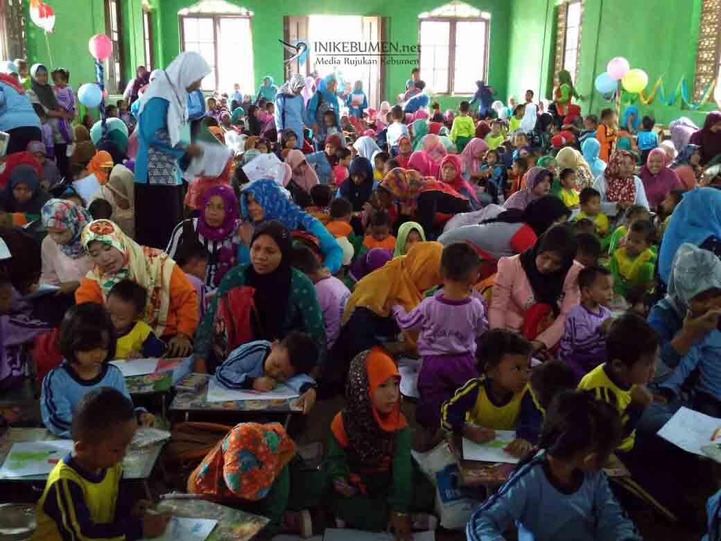 406 Anak Ikuti Festival Mewarnai Himpaudi Mirit