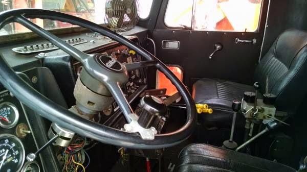 fwd tractioneer dump truck  truck