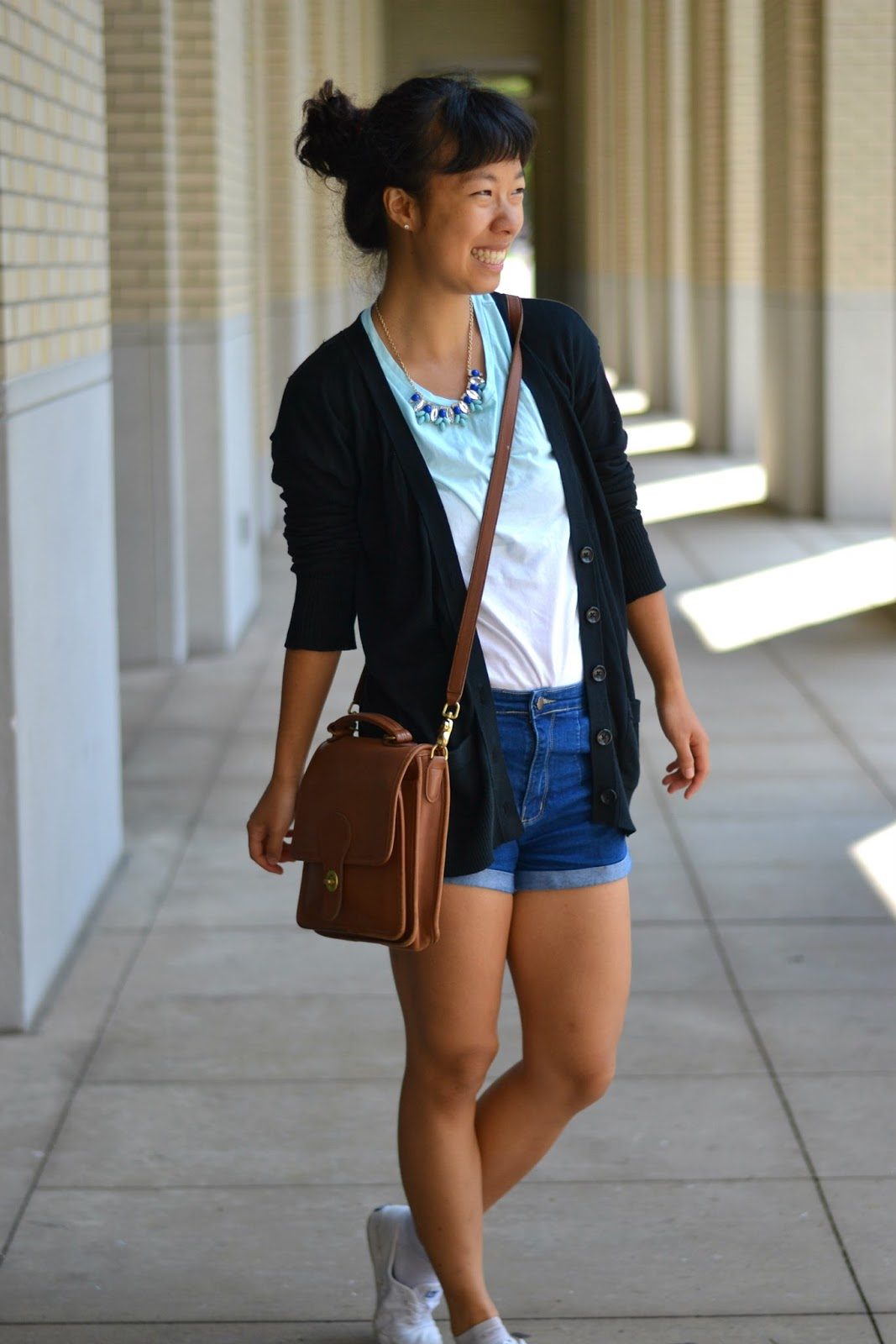 college style, brown crossbody bag