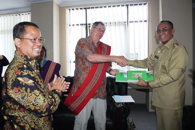 USAID Hibahkan 46.200 Buku ke Tana Toraja