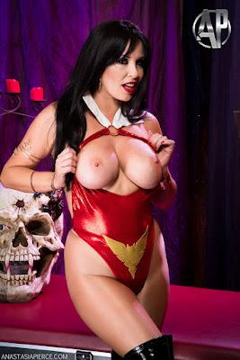 http://www.vampirebeauties.com/2016/08/vampiress-xxx-review-vampirella-fetish.html