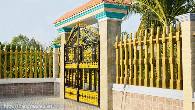 Hàng rào bê tông ly tâm cho biệt thự vùng ngoại ô