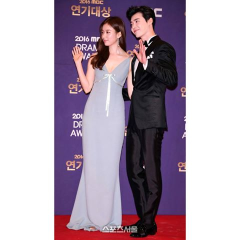 Red Carpet Fashion that stunned us during the Year End