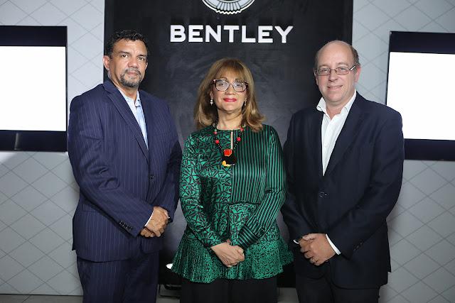 Carlos Martínez, Milagros Abreu y Enrique García.