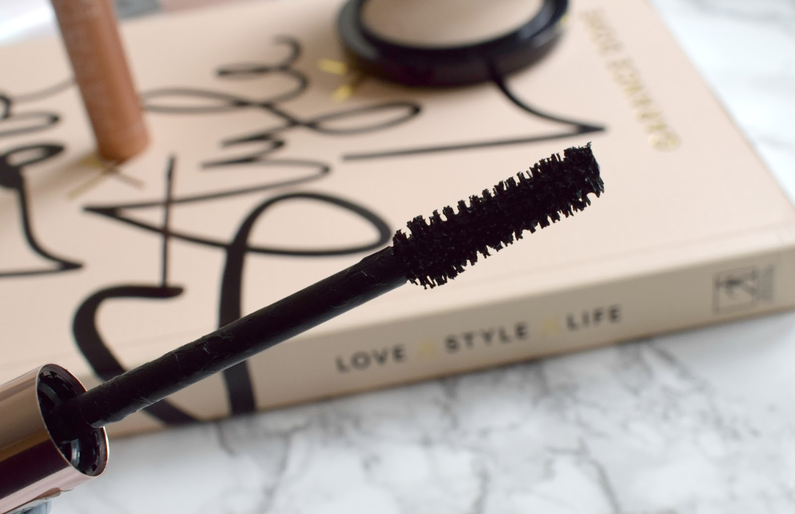 Loreal lash paradise mascara review beauty blogger uk wand close up
