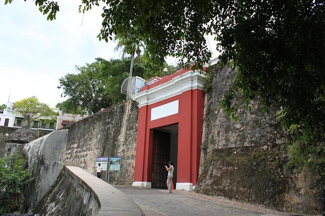 1. La puerta de San Juan Puerto Rico