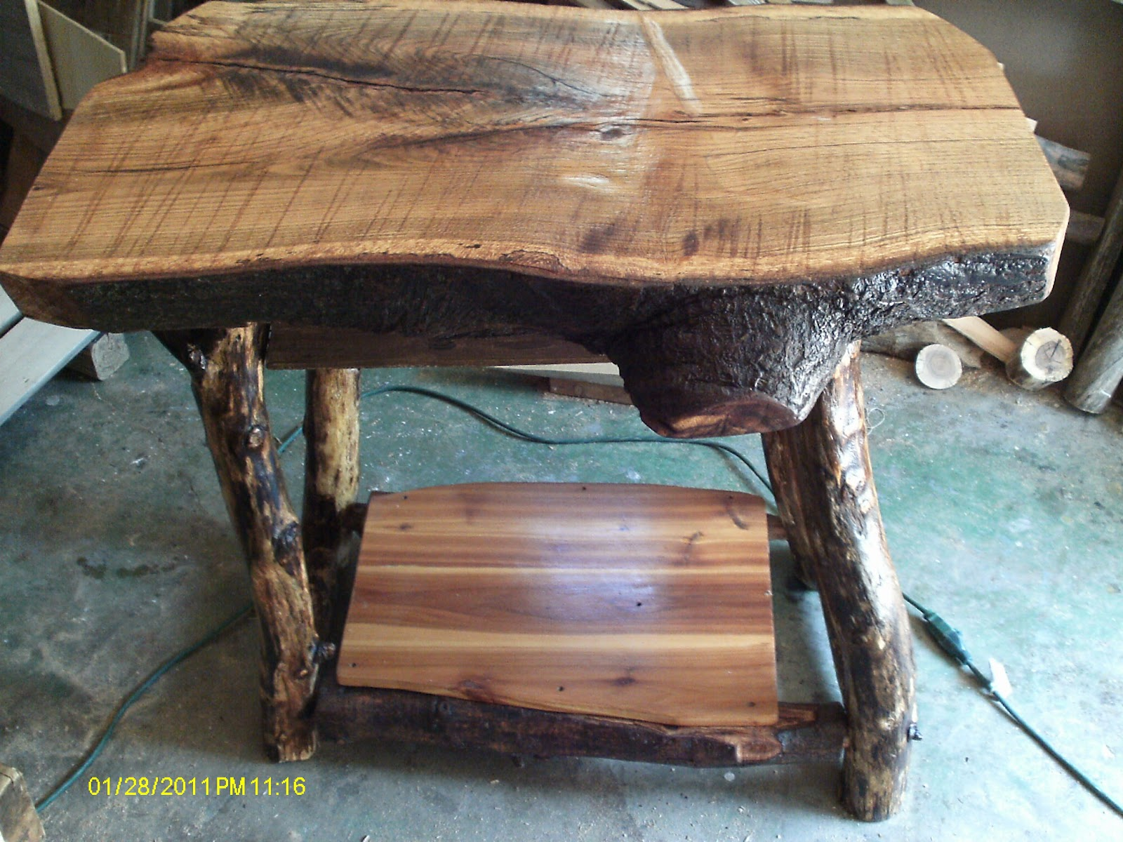 handmade rustic log furniture oak log kitchen island rh handmadelogfurniture blogspot com Rustic Log Furniture Oak Wood Furniture