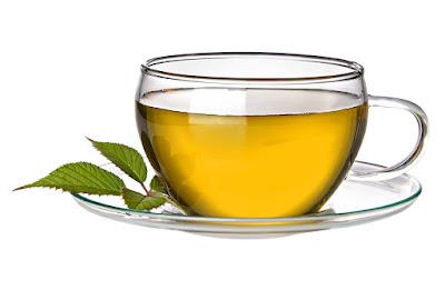 manfaat-teh-hijau-untuk-gigi-sensitif