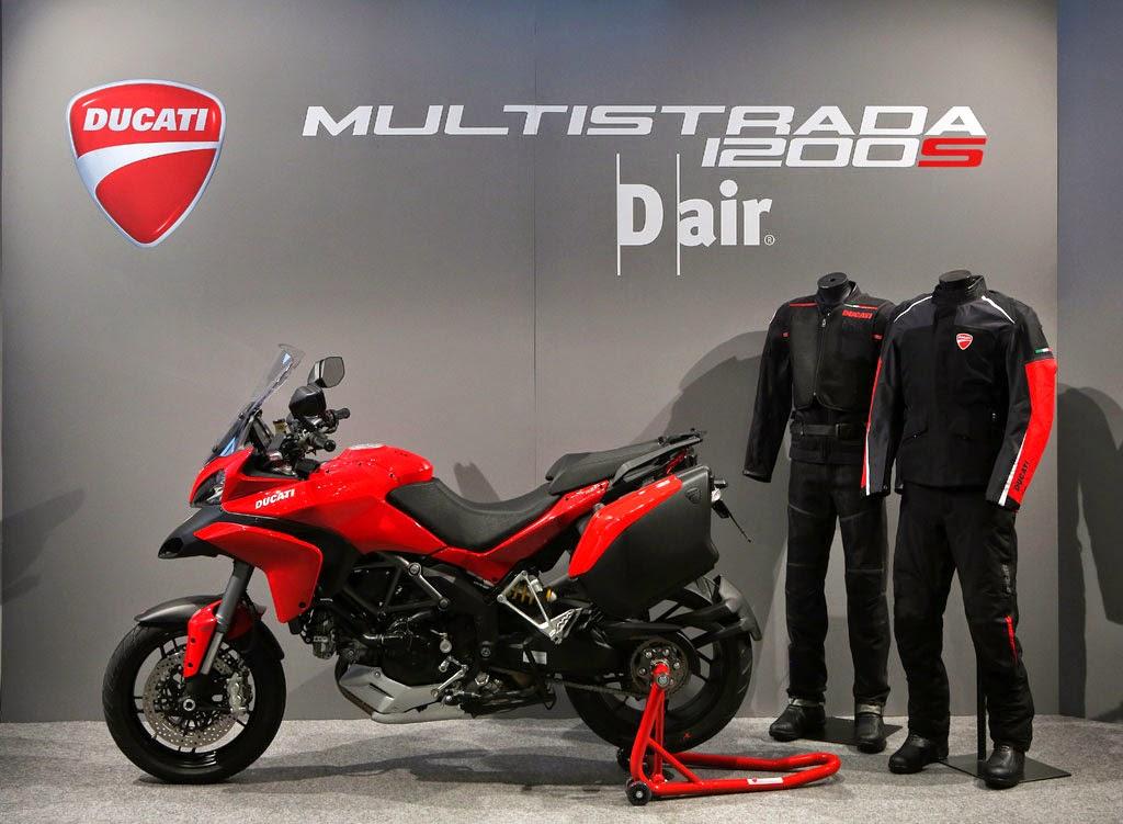 Sensores fazem a roupa do motociclista inflar em caso de queda