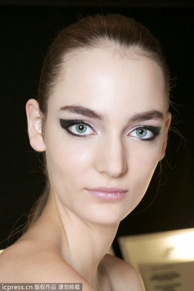 The Cat Eye Makeup Eye Contour Beautify The Popular