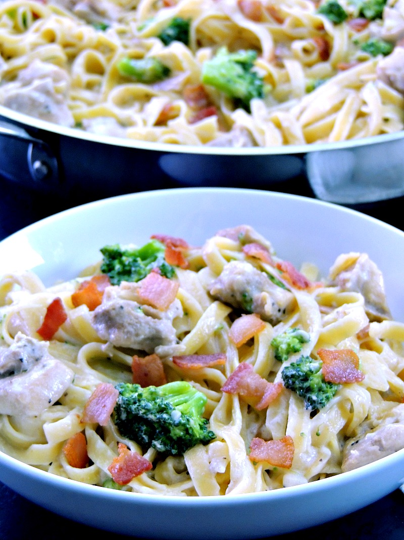 One Pot Chicken Fettuccine Alfredo - this recipe has less calories, cooks up in less that 30 minutes, and is done in one pot! From www.bobbiskozykitchen.com
