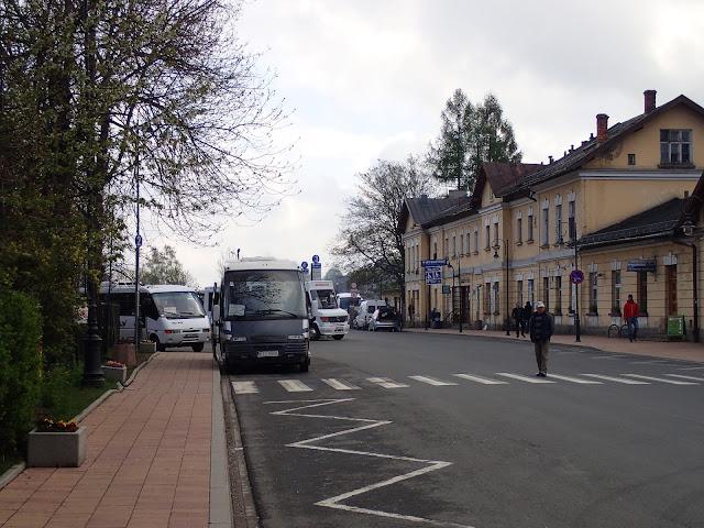 Dworzec w Zakopanem (autobusowy jest tuż obok kolejowego)