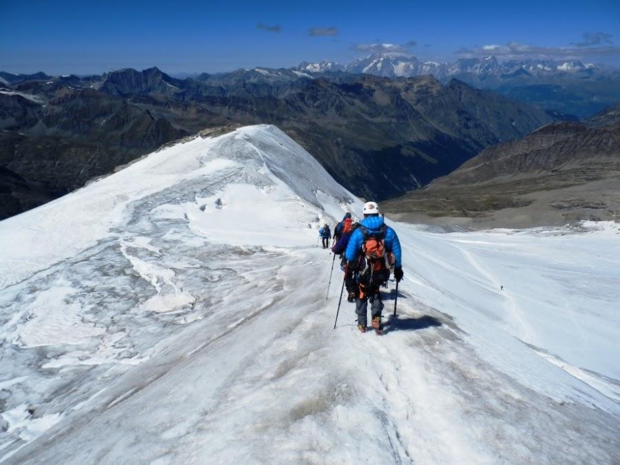 descenso-del-gran-paradiso-alpes-italia-enlacima