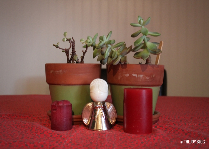Vintage Angel Christmas Decor & Succulents | My Favorite Holiday Season // WWW.THEJOYBLOG.NET