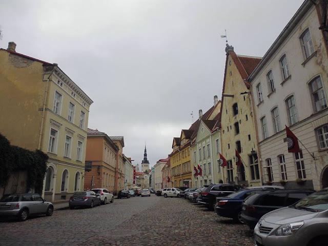 """Conjunto de casas conocidas como los """"Tres Hermanos"""" (Tallinn) (@mibaulviajero)"""