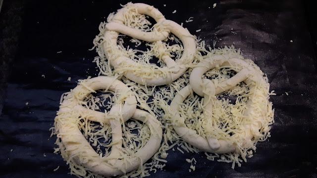 Rezept für knusprige Käsebrezn