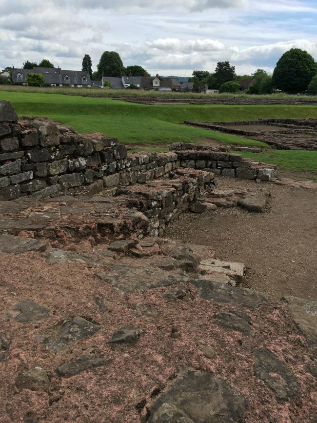 Caerleon-the-roman-fortress-of-isca-the-Roman-toilet-ruins