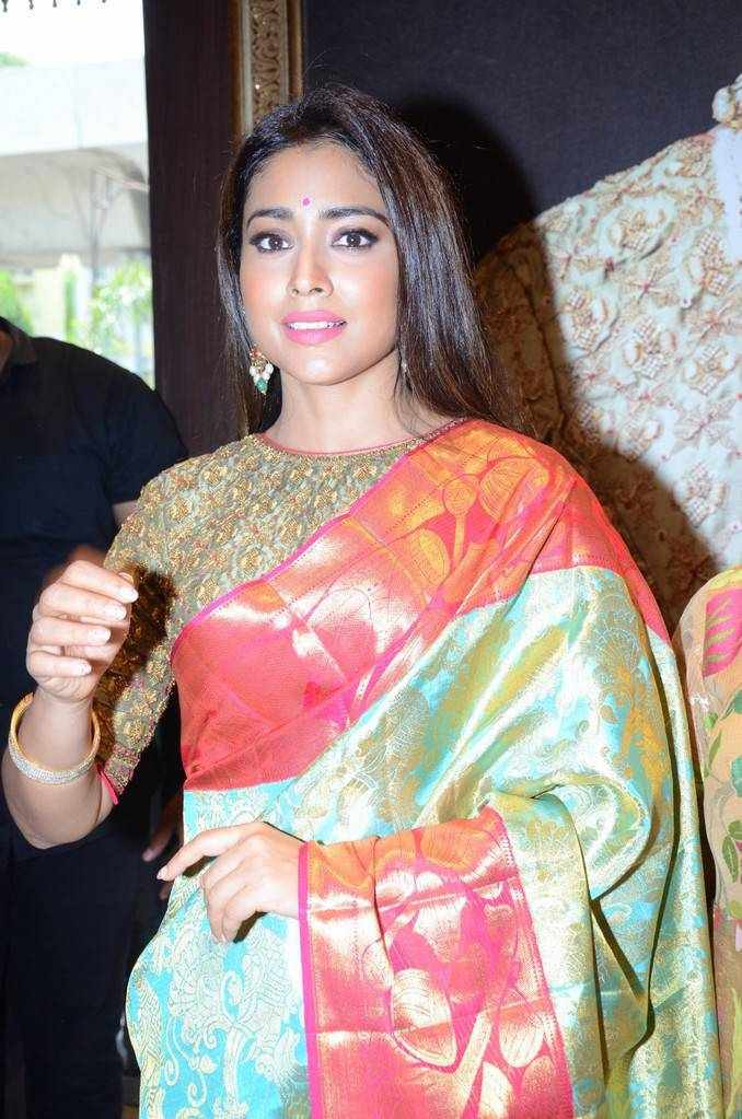 Shriya Saran Stills In Traditional Green Sari At VRK Silks Exhibition launch
