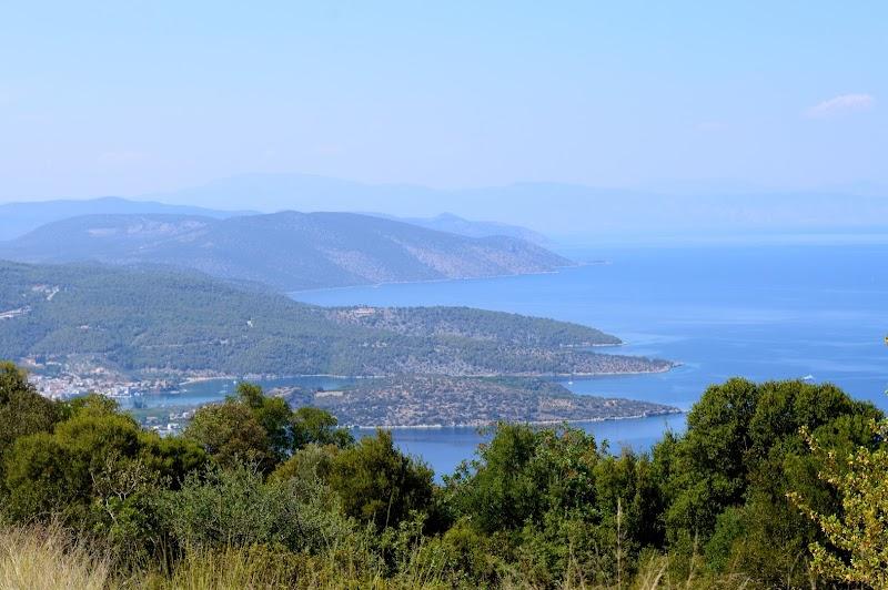 Плажът Малинди на полуостров Пелопонес