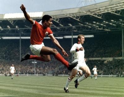 Eusobio, pemain terbaik portugal di debut Piala Dunia 1966