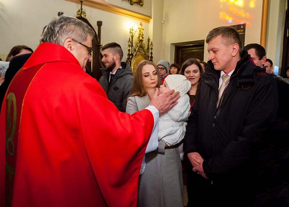 zdjęcia ze chrztu, fotograf chrzest Niemce, fotograf ślubny, fotograf Lublin