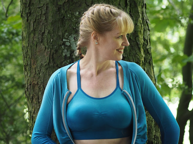 Ilu teal gradated gym and yoga clothing for women over 35