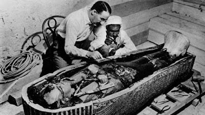 Πόσο αληθινή είναι η κατάρα των τάφων;