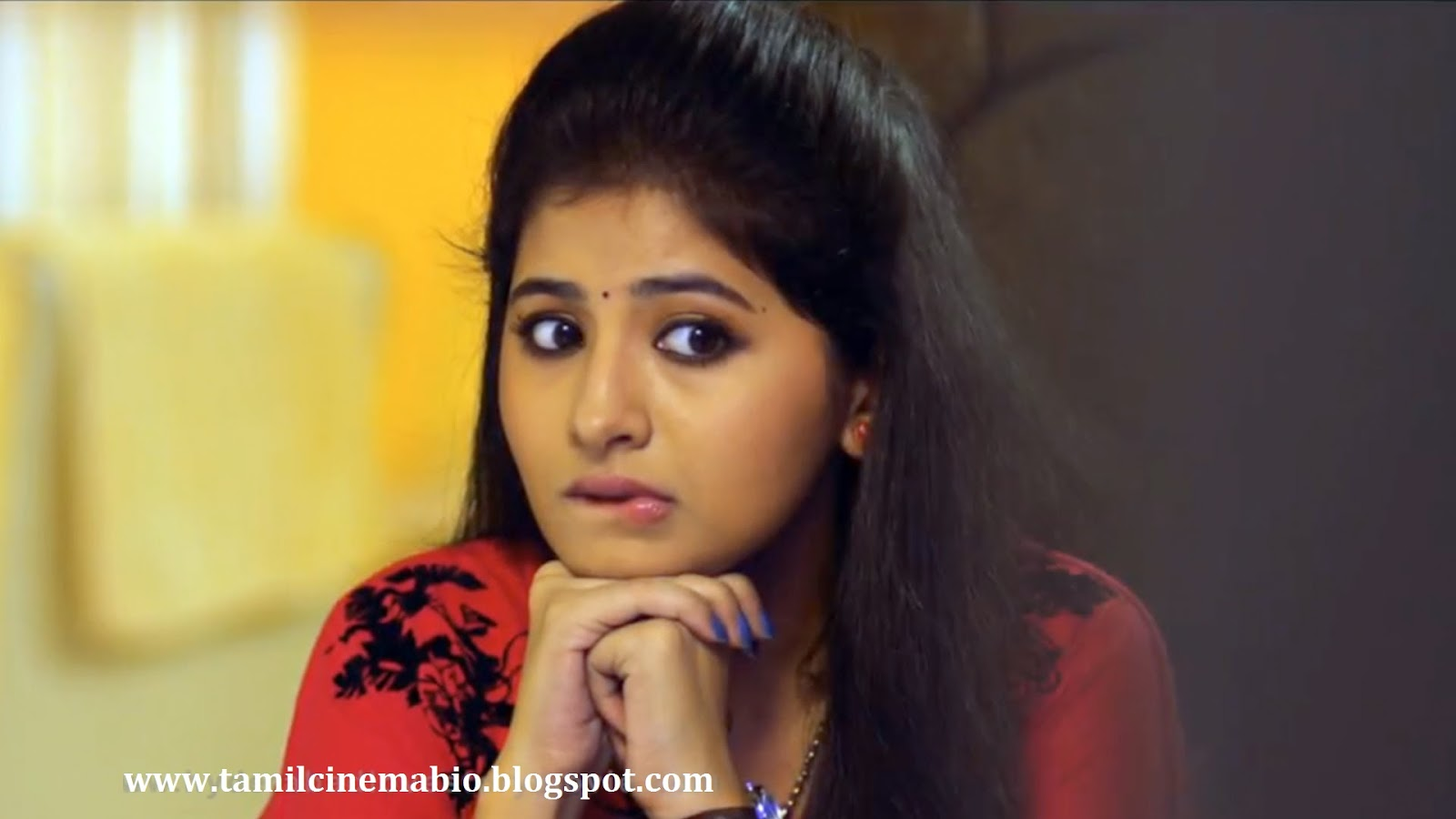 Tamil Actress Reshmi Menon Photo Gallery/ Wallpaper Images