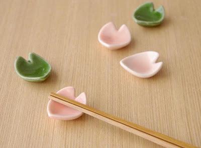 Petal Chopstick Rest