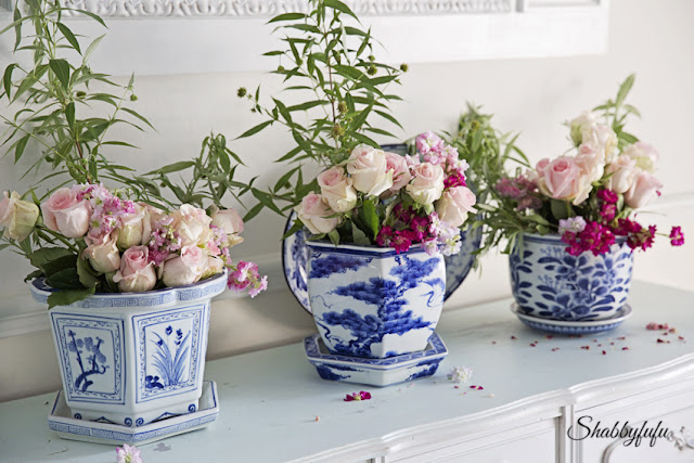 blue and white chinoiserie cachepots