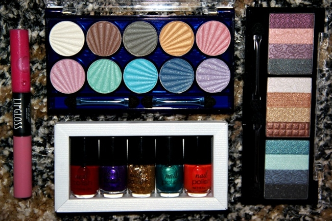 H&M new eyeshadow palettes and nail polish sets