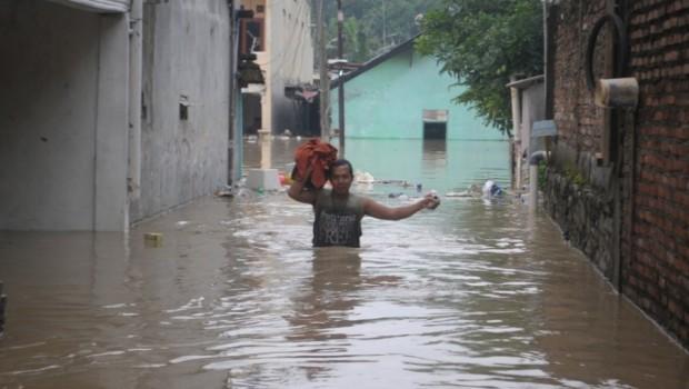 Kumpulan Foto dan Video Banjir Bekasi Februari 2016