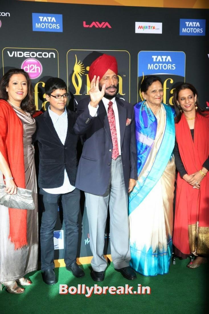 Milkha Singh, Bollywood Celebs sizzle on IIFA 2014 Green Carpet Pics
