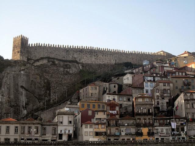 muralla medieval oporto