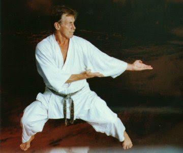 Maestro Herbert Shotokai - Kiba Dachi