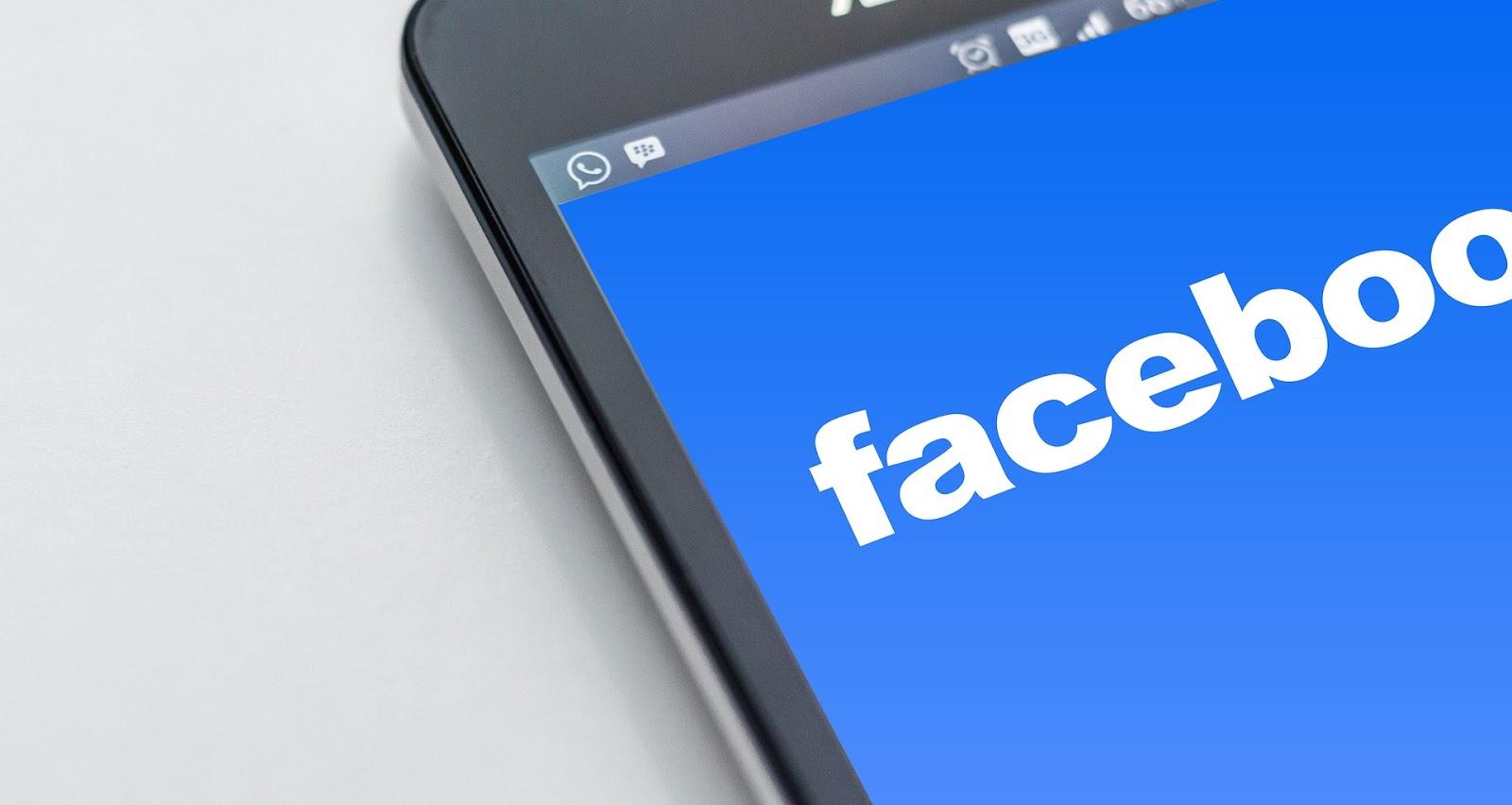 Los errores de los católicos en Facebook