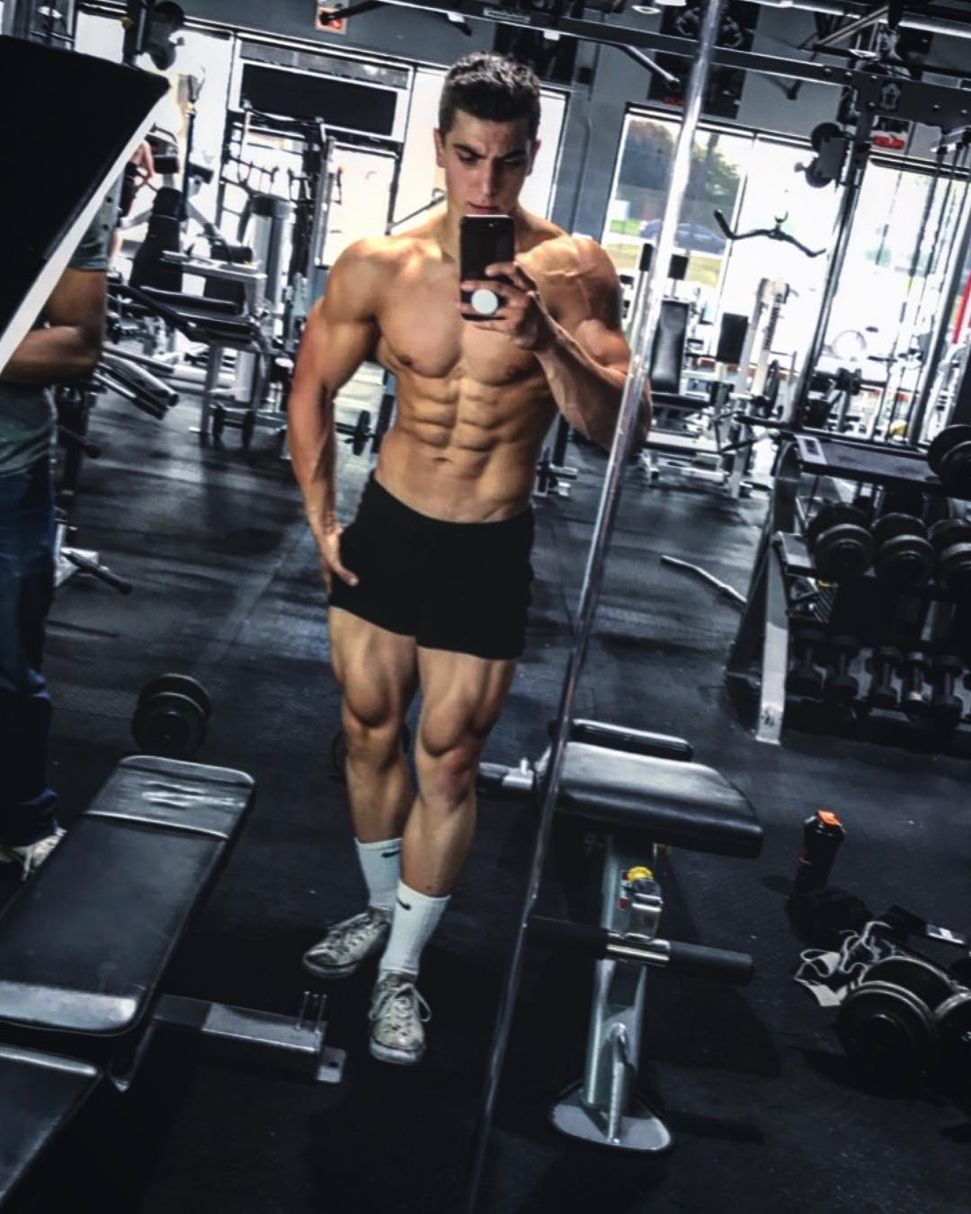 DanGymBro: Get to know aesthetic fitness athletes and