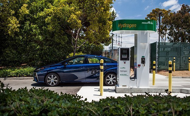 2016 Toyota Mirai Review Fuel-Cell Sedan