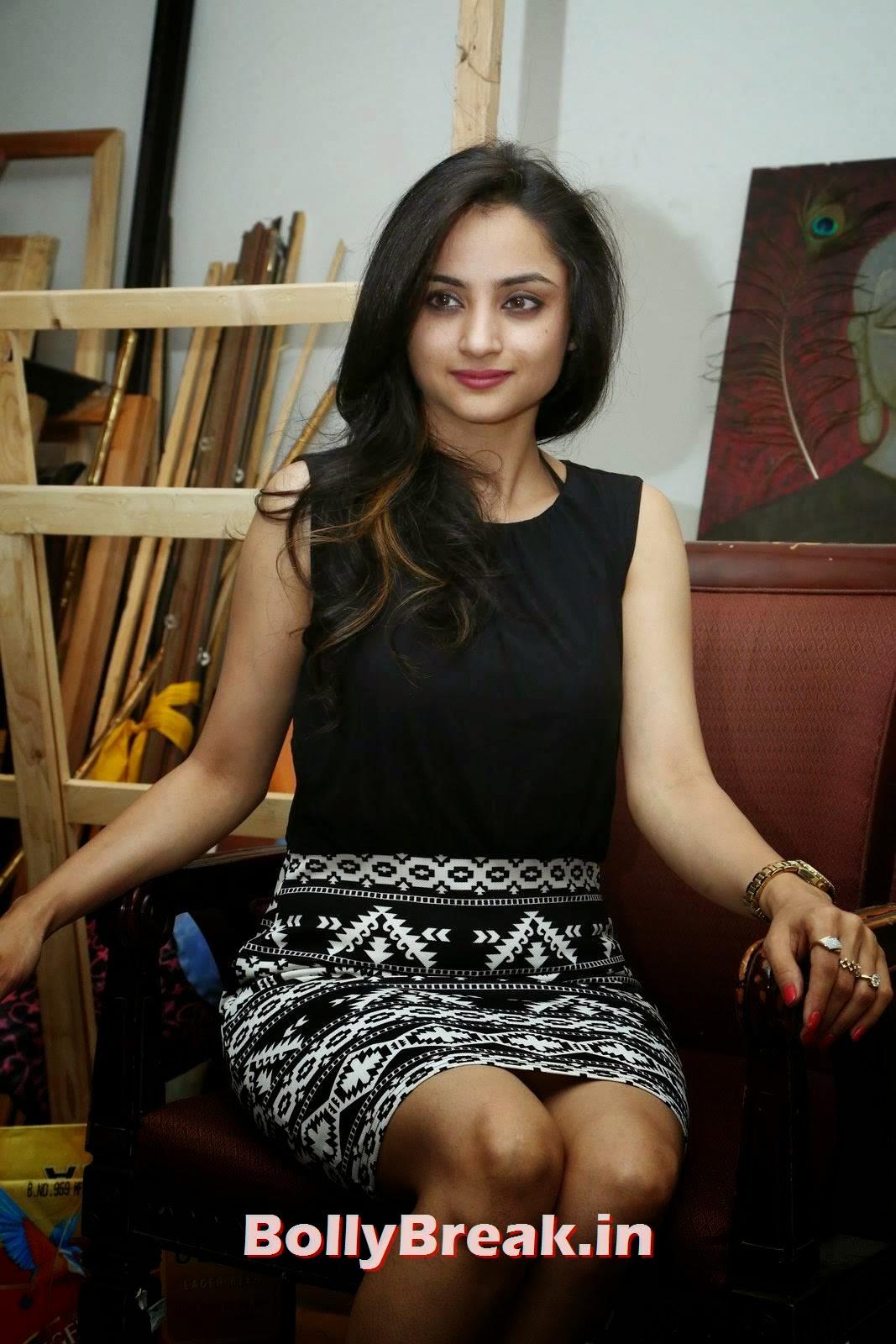Actress Madirakshi Pictures, Actress Madirakshi Hot Pics in Skirt & Black Top