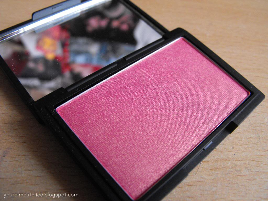 Sleek 'Rose Gold' Blush