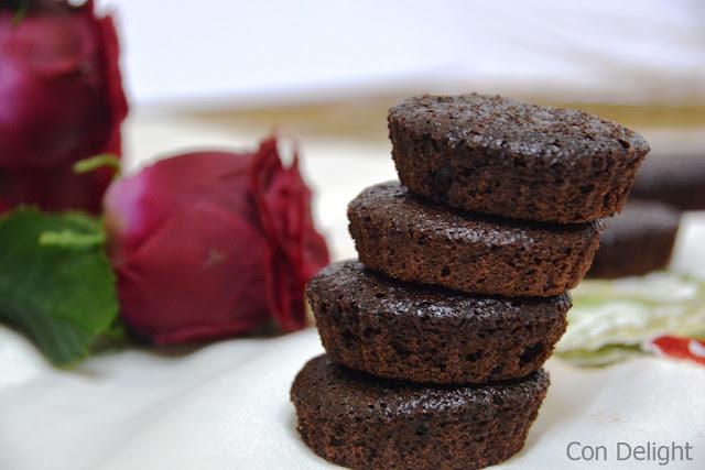 עוגניות שוקולד טבעוני Vegan mini cakes