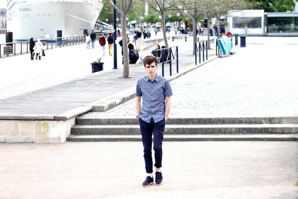 BLOG-MODE-HOMME-style-masculin-vivienne-westwood-piola-sneakers-haut-de-gamme-chino-bleu-bordeaux-moto360-watch-paris-chemisette