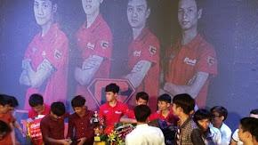 Chim Sẻ Đi Nắng và đồng đội vô địch AOE Bé Yêu Cup 2015