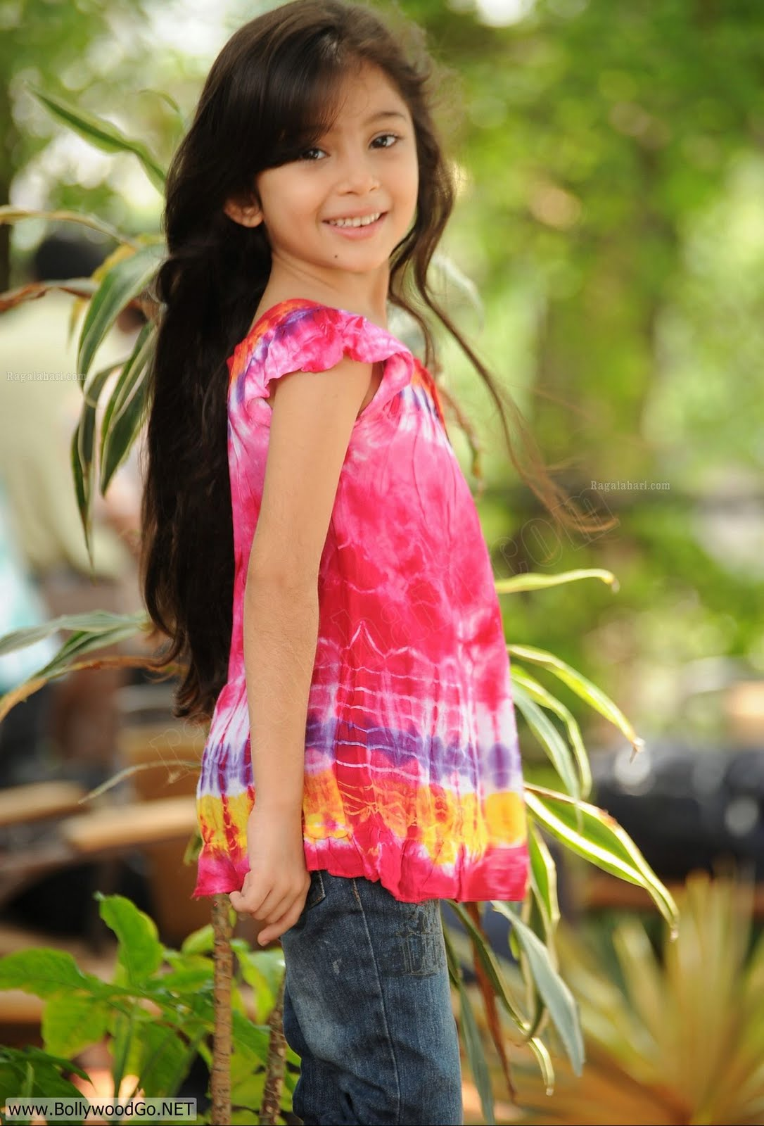 Wallpaper Of Little Girl In Bajrangi Bhaijaan Wallpapers Gallery Sara Arjun Beautiful Child Actress