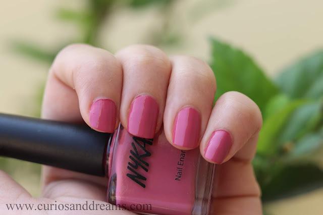 Nykaa nail polish, Nykaa floral carnival nail polish, review, swatch, dusky azelea, rustic rose