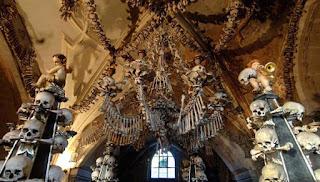 Kapel Berisikan 40.000 Tulang Manusia
